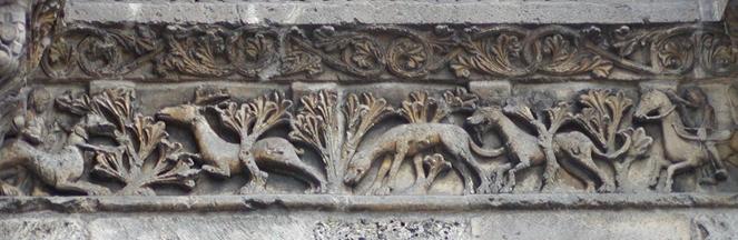 Frise Cerf Cathédrale Angoulême Façade